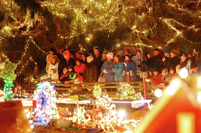 Clifton's Christmas lights tradition sparked by aha moment