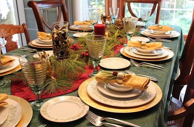 Holiday tablescaping