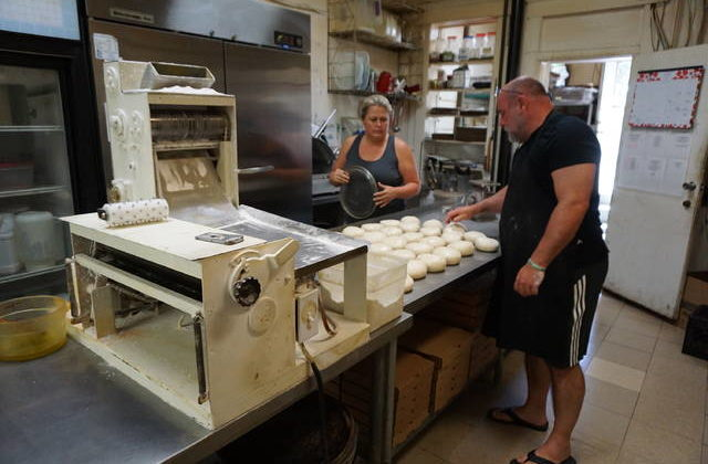 Long Branch Pizza: Serving both traditional and unique pies