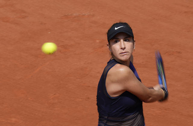 The Latest: Zverev advances to 3rd round at French Open