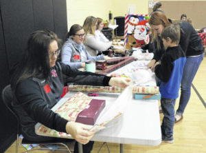 Indian Lake PTO and Key Club help youngsters shop
