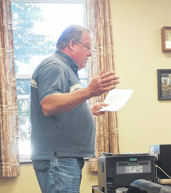 Middleport resident, hangar tenant and pilot Bruce Postlethwait addresses the Gallia County Commissioners.