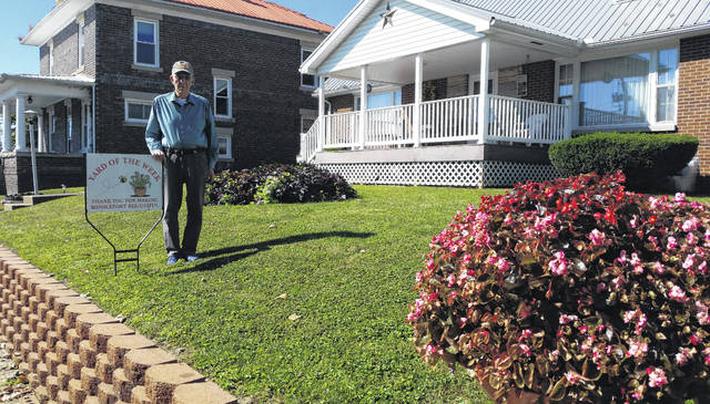 Week 16 and final winner for 2016's of the Yard of the Week is 175 North Third owned by Marshall McMillion. Marshall's yard is always neatly cut and trimmed and makes a great addition to Middleport's yard of the week.
