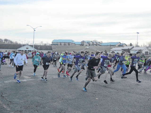 A total of 128 participants start the race.