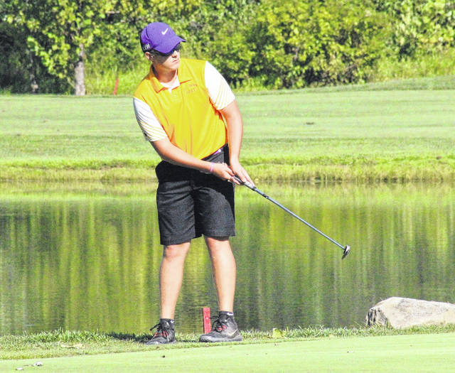 Southern junior Jensen Anderson putts from the fringe of the fifth green at Riverside Golf Course, during a TVC Hocking match on Aug. 23 in Mason, W.Va.