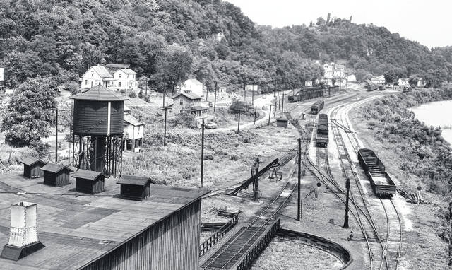 Pomeroy's roundhouse as seen from The Pomeroy Bend Bridge in the 1930s.