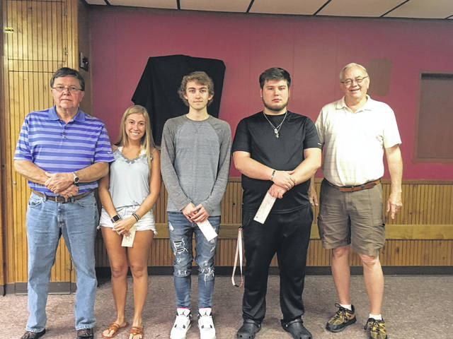 The Fraternal Order of Eagles, Aerie 2171 of Pomeroy, recently gave out four scholarships of $750 each to students who are relatives of Eagles members. Pictured (from left to right) are Club Secretary Steve Henderson, Madison Lisle, Ryley Passwaters, Riley Ogden and Kenny Utt, Treasurer. Absent when picture was taken was Jenna Marshall.