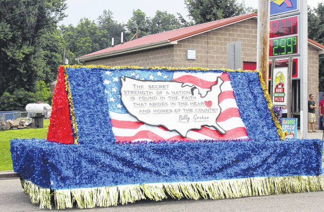 The First Baptist Church of Racine float depicted the map of the United States with a quote from Billy Graham.
