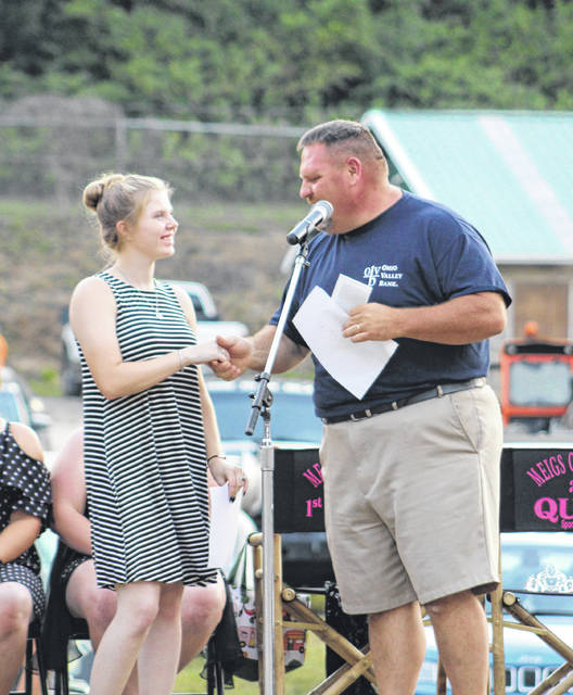 Dan Short from Ohio Valley Bank presents the 4-H Scholarship to Ciera Older.