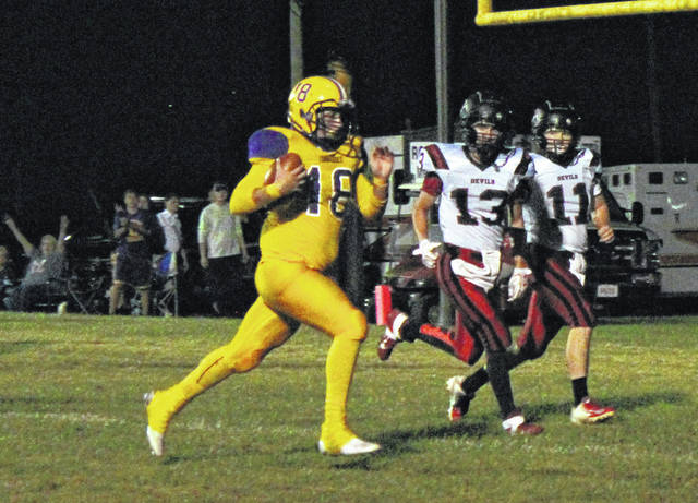 SHS sophomore Will Wickline runs for the first Tornado touchdown, early in the first quarter of Southern's 42-35 loss to Ravenswood on Friday in Racine, Ohio.
