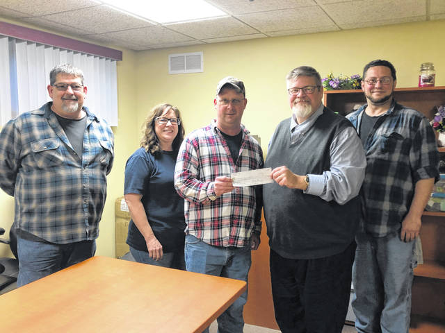 Children in foster care with Gallia County Children Services were provided some assistance in helping them have a Merry Christmas. On Monday, Dec. 9, Children Services Director Russ Moore was presented a check for $1000 from UAW Local 1685 to help purchase Christmas gifts for children in foster care. Presenting the check were UAW representatives Mike Miller, Mike Broyles, Rick Rardin, and Kim Cornwell.