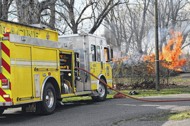 Volunteer fire fighters from the Racine and Syracuse Fire Department were called to a fully engulfed structure fire on Wednesday afternoon near the intersection of Cross and Pearl Streets in Racine. Others responding to the scene included the Syracuse Police Department, Meigs EMS and AEP.