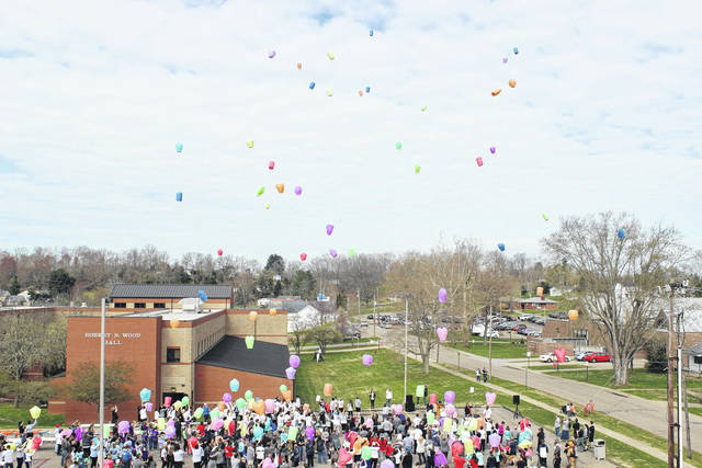 Pictured is a balloon release at a previous Out of the Darkness Suicide Prevention Walk at the University of Rio Grande and Rio Grande Community College. Due to the pandemic, this year's event is virtual in regards to participation. URG/RGCC will also place over 7,500 luminarias at their main campus on April 24 beginning at noon with lunch provided for volunteers. (Rio Courtesy)