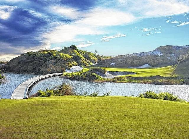 <strong>Florida's Streamsong is leading the golf resort reboot.</strong>