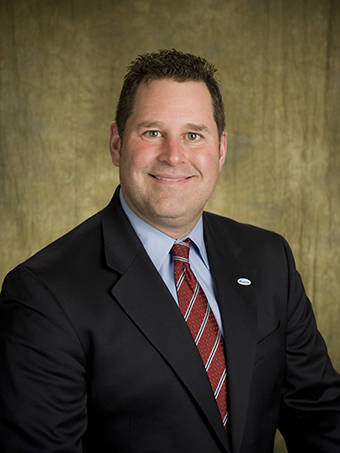 Vandalia's Assistant City Manager Greg Shackelford will resign effective January 2 to take a position in Springboro.