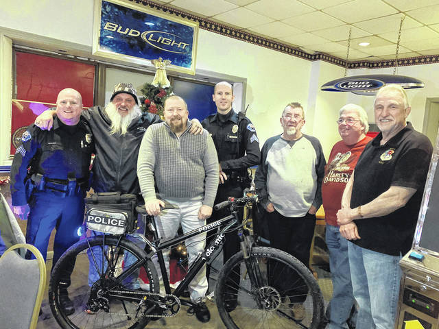 Vandalia Memorial American Legion Post 668 donated a Volcanic Police Mountain Bike to the Vandalia Police Department's revamped bike patrol unit. The Division of Police is thankful to have the support from the Legion so we can better serve our wonderful community.