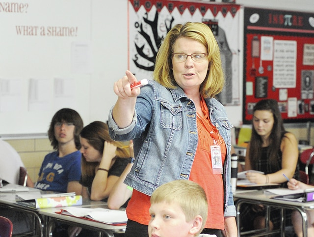 Anthony Weber | Troy Daily News Troy High School mathematics teacher Jacqui Lehmkuhl works on drawing terminology with her freshmen honors geometry class Tuesday at the school.