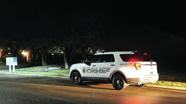 Mike Ullery | Troy Daily News Troy police investigate a reported stabbing incident on Todd Lane on New Year's Eve