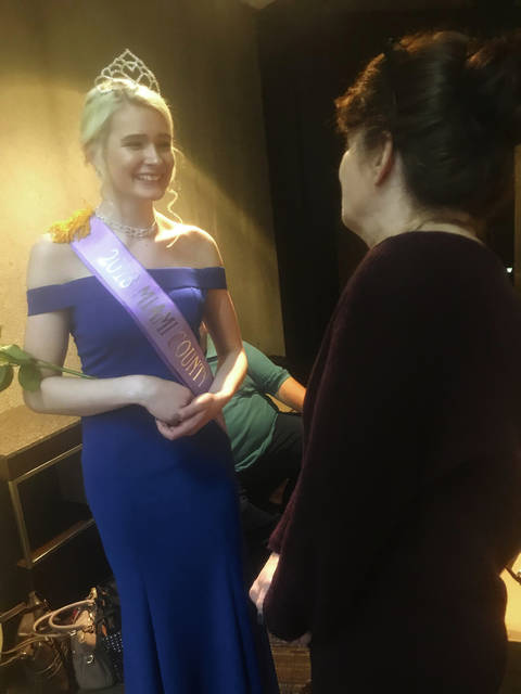 Melody Vallieu | Miami Valley Today The 2018 Miami County Fair Queen Kelci Cooper speaks with her mom Charlotte following the 2018 Ohio Fairs' Queen Pageant on Thursday. Cooper, of Piqua, was part of the pageant at the 94th annual Ohio Fair Managers Convention & Trade Show in Columbus.