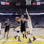 Curry does it all again as Warriors dismantle Spurs, 120-90