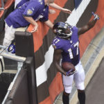 Flacco rallies Ravens to 25-20 win over Browns