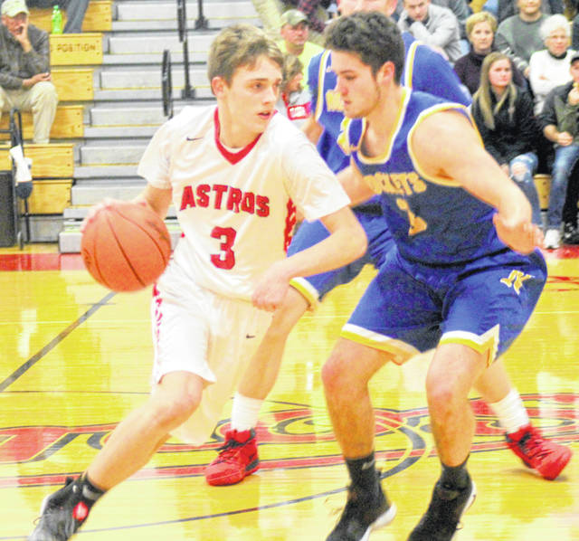 Branson Smith scored 20 points Tuesday for East Clinton against Clermont Northeastern.