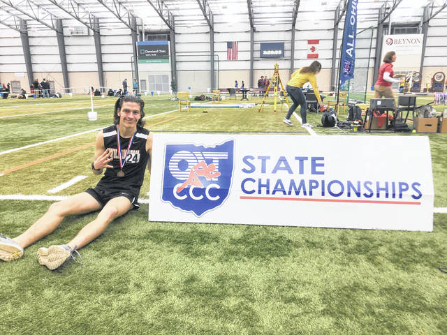 Simon Heys was fourth in the Division I 3,200-meter run at the state indoor track and field meet Saturday at Spire Institute.