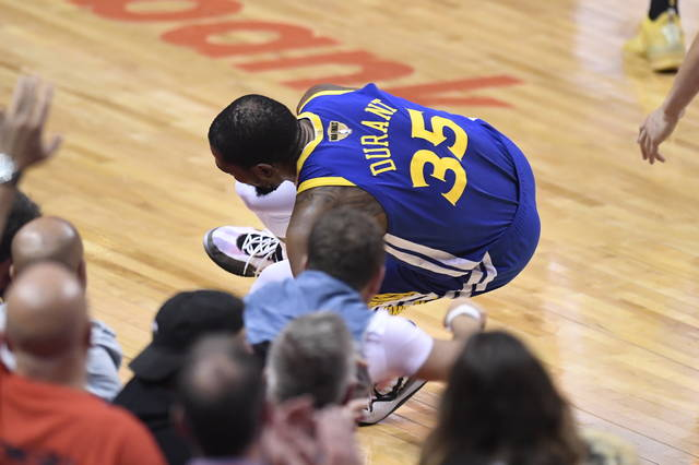 Warriors Hang On To Stay Alive Win Game 5 Of Nba Finals Wilmington News Journal