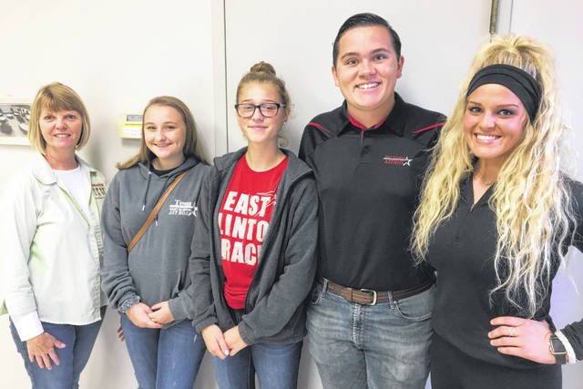 From left, Kiwanis Club President Kim Hiatt thanks East Clinton High School Key Club members Tessa Bosier, Noah Pattan, Kenton Deaton and Wilmington High School Key Club Member Olivia Veldt for helping be servers for the Pancake Breakfast.