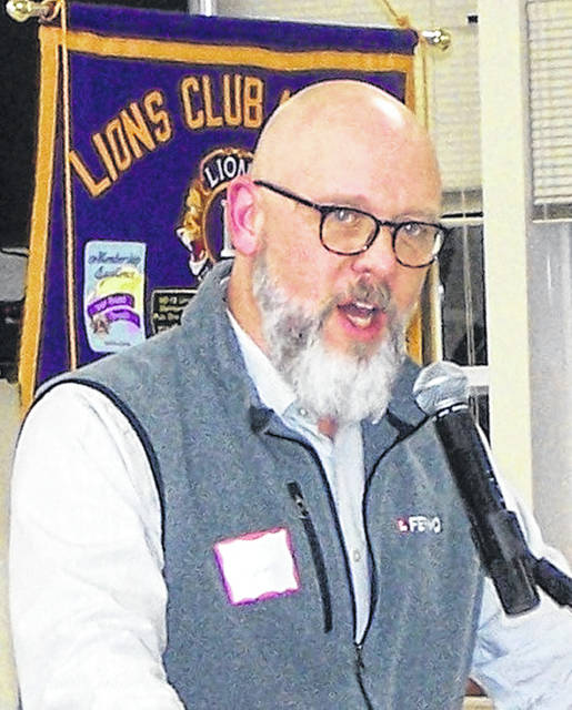 Ferno's Eric Salyers speaks to Wilmington Lions members.