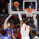 A look at who is unbeaten or winless in college basketball