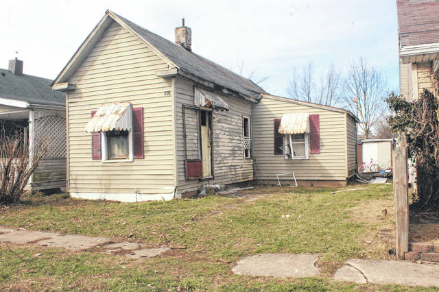 A fire on Sunday morning in Washington CH initially was located in a camper on the property however, the fire spread into the home on the property as well as a neighboring home. Heat caused damage to a second neighboring home.