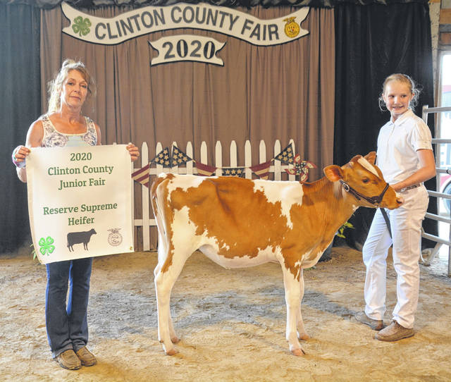 Reserve Supreme Dairy Heifer winner was Shelby Leaming, with Judge Sherry Smith.
