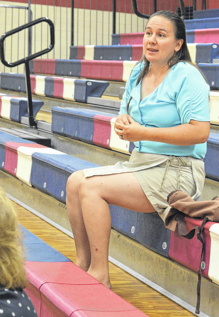 Clinton-Massie teacher Marilyn Burns comments during the work session.