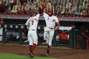 Votto powers Reds to 3-2 win over Indians