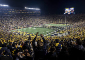 Big Ten football season set to begin on Labor Day weekend