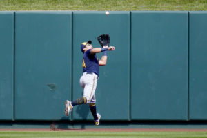 Pandemic playoffs: Brewers, Astros in despite losing records