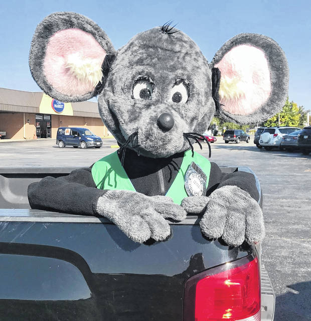 "It's that time of year again! Buster the Mouse is out catching good recyclers and awarding prizes along the way. Be on the lookout as you might be the next person he catches ""green handed"". For local recycling opportunities, please visit the Clinton County Solid Waste Management District's website at www.co.clinton.oh.us/recycling ."