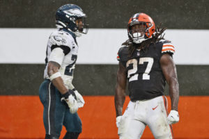 Browns step up without Garrett, down Eagles in steady rain