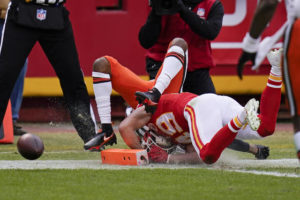 Browns' comeback comes up short, fall to Chiefs in playoffs