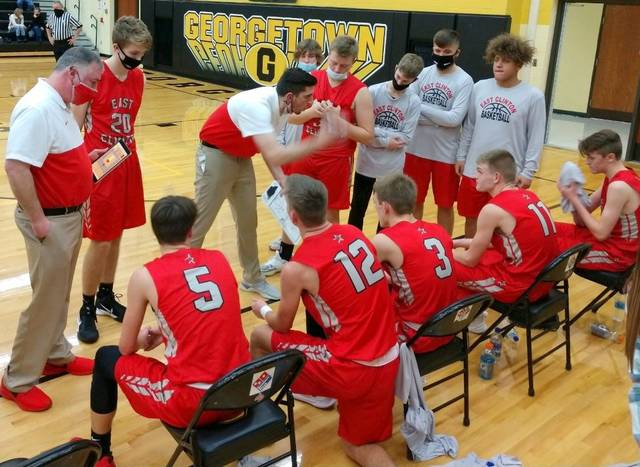 East Clinton head coach Phil Shori talks with the Astros during a timeout Friday night. (News Journal Photo, Deanna Liermann)