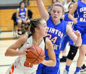 WHS girls hold off Massie for 43-39 win