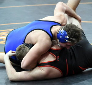 6 wrestlers head to state tournament