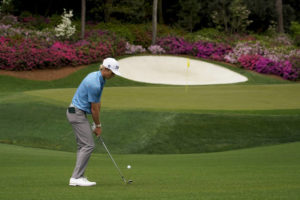Rose clings to 1-shot Masters lead as Spieth, Thomas lurk