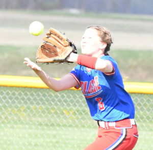 Drake powers Falcons to 8-6 win over Warriors
