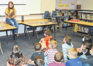 Embracing reading: Sabina Elementary, ECHS team up on Right-to-Read Week