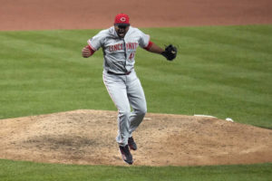 Luis Castillo pitches Reds to 6-4 victory over Cardinals