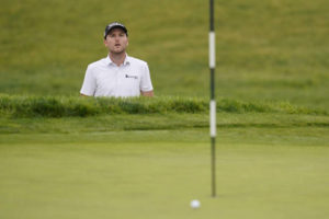 US Open Round 1: 'Mr. Mickelson, trouble calling on Line 1'