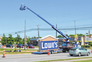 Lowe's sign from high to low