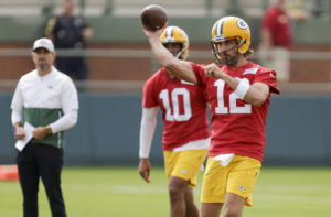 Rodgers works out with Packers, then details his concerns